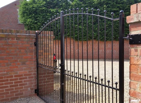 Bow Ball Top Gates