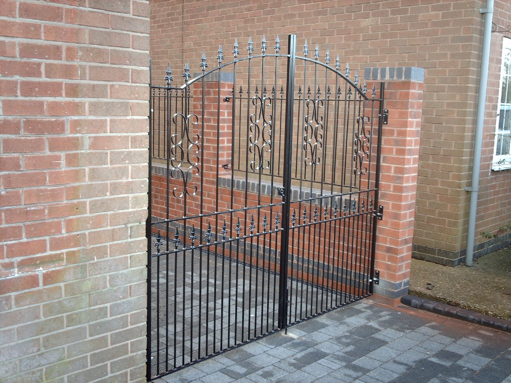 6 Foot Bow Top Gates