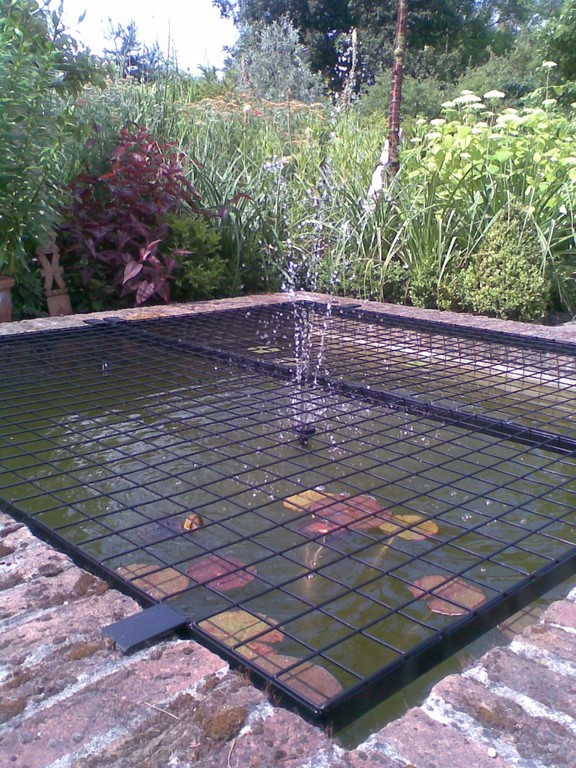 Square Steel Mesh Pond Cover